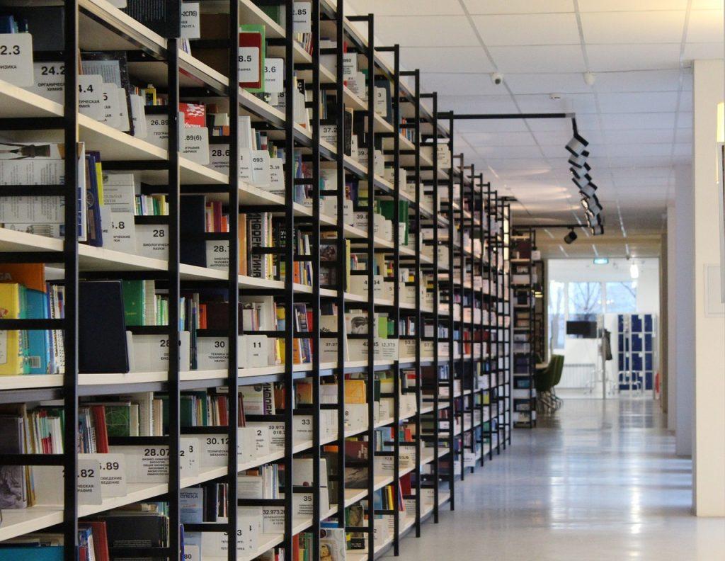 O jakie czynniki z pewnością musi zadbać właściciel dużych magazynów?