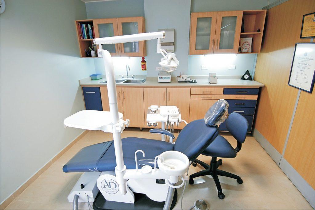 Problemy z zębami- periodontologia