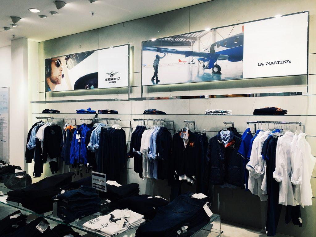 Internetowe sklepy są najlepszym miejscem do kupowania ubrań