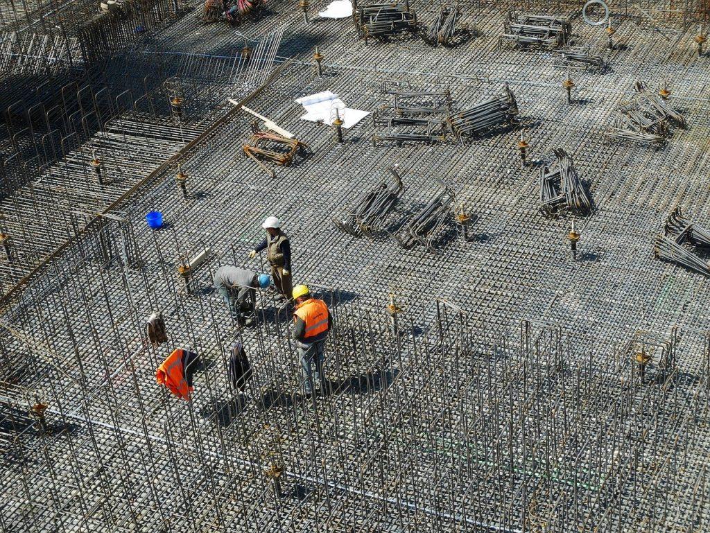 Jak może pomóc adwokat prawa budowlanego