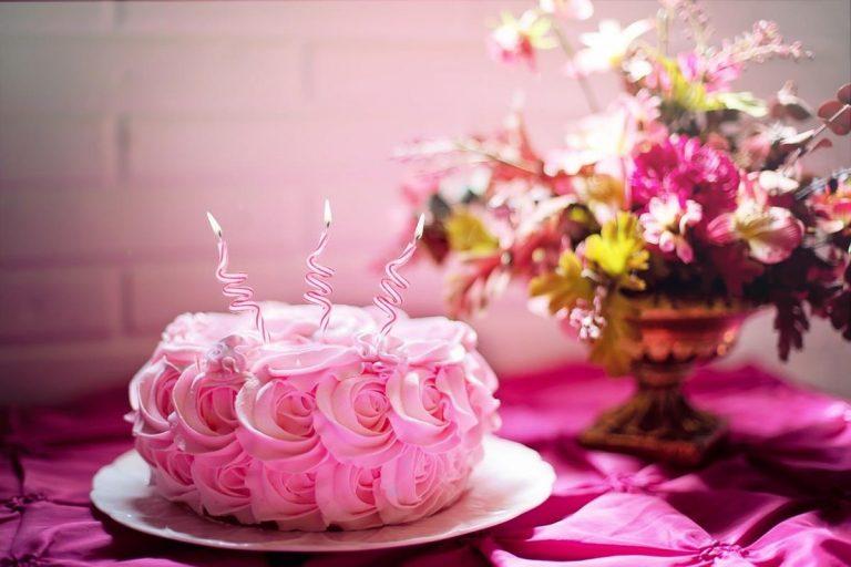 Doskonałe przepisy na desery dostępne online