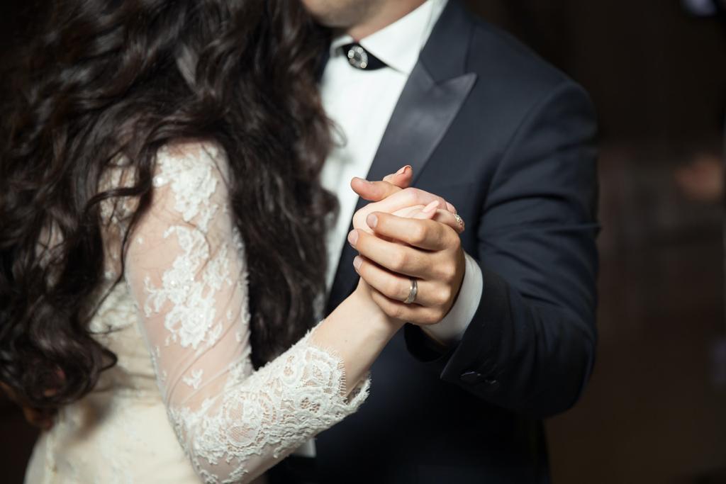 Czym się kierować wybierając suknię ślubną
